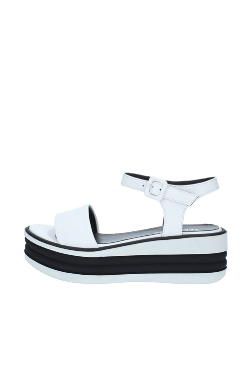 Tres Jolie With wedge WHITE